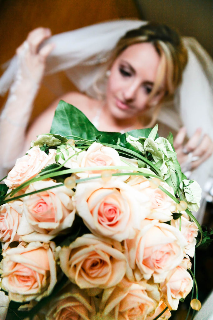 Hochzeit, brautpaar, brautstrauß, fotograf leverkusen, kleid